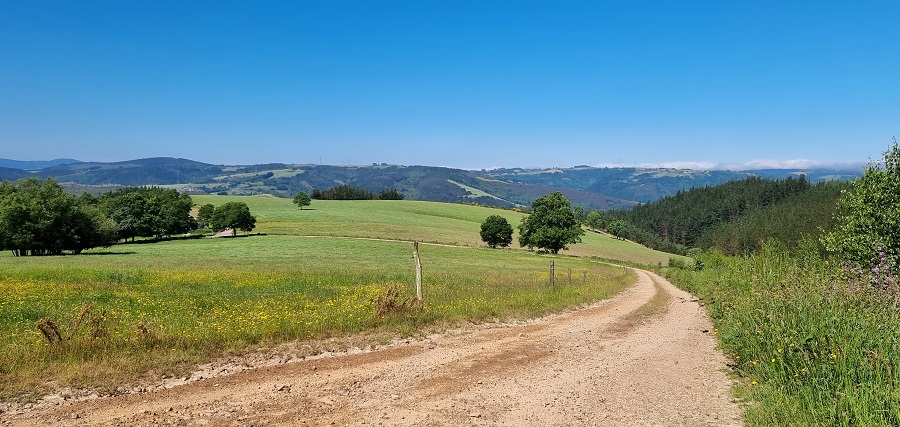 Vistas desde el inicio de la ruta a Mina Carmina, apenas a unos metros de haber dejado Santa Engracia